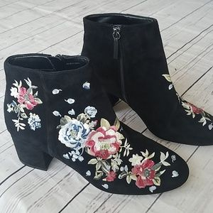 White House Black Market floral embroidered boots